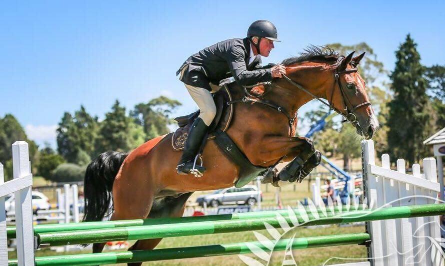 J22: Amateur / Junior Show Jumper!